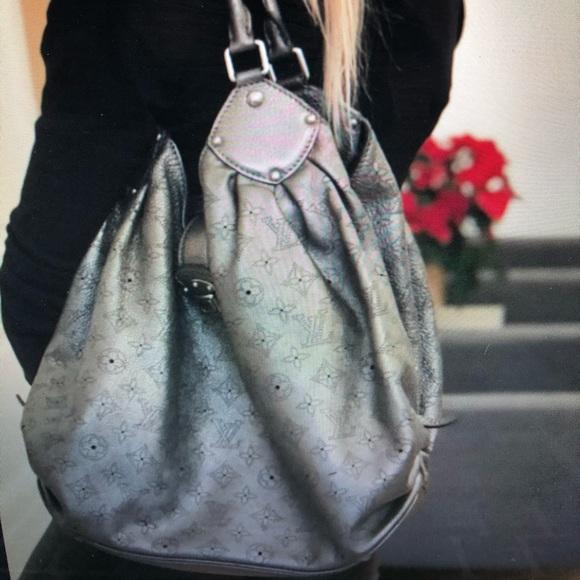 Authentic Louis Vuitton Mahina XL shoulder bag